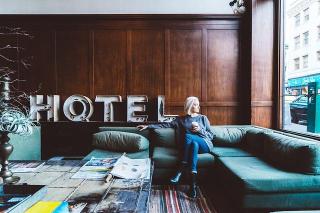 čekání v hotelu