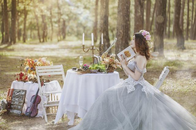 nevěsta u stolu